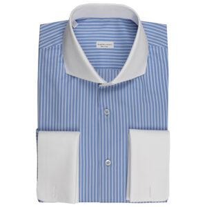 Camicia celeste gessata con collo e polsini bianchi in cotone Popeline 80/1 in trama e 140/1 in ordito